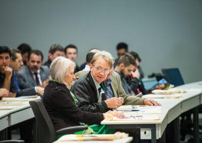 Ambientalistas Miriam Prochnow e Wigold Schaffer, em primeiro plano, foram presença de destaque no evento. Foto: Marcos Campos.