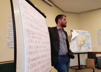 Apresentação dos temas discutidos em grupos. Foto: Miriam Prochnow.