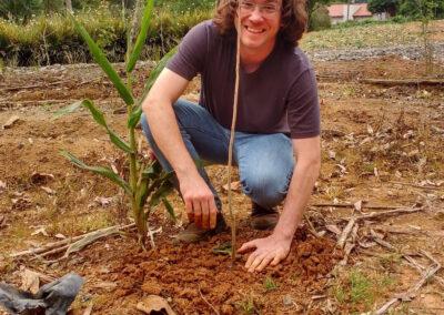 Plantio de mudas nativas. Foto: Edilaine Dick.