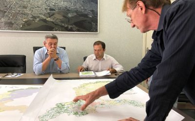 Plano Municipal de Conservação e Recuperação da Mata Atlântica de Lages é apresentado ao prefeito