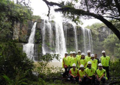 Participantes durante visita técnica na empresa Florestal Gateados. Foto: Bruna Salami.