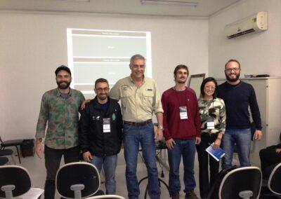 Trabalho em equipe para composição de SAFs. Foto: Arquivo Apremavi.