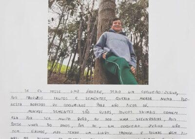 """Atividade """"Se eu fosse uma árvore"""". Foto: Miriam Prochnow."""
