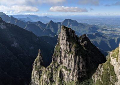 Detalhes do Cânion do Funil, localizado no PARNA de São Joaquim.