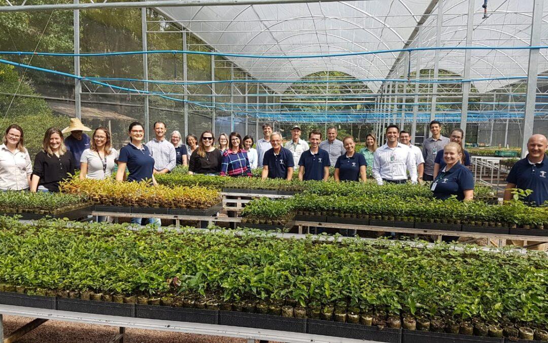 Equipe de sustentabilidade da Klabin visita a Apremavi e reforça parceria que completa 15 anos