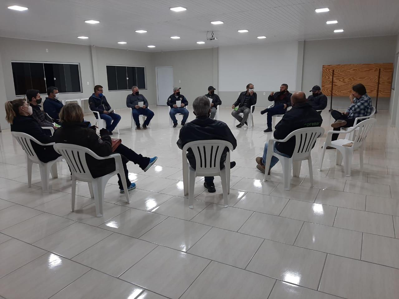 reunião com proprietários das áreas atingidas